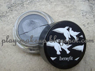 PLAY MAKE UP - Benefit Creaseless Eyeshadow in Strut