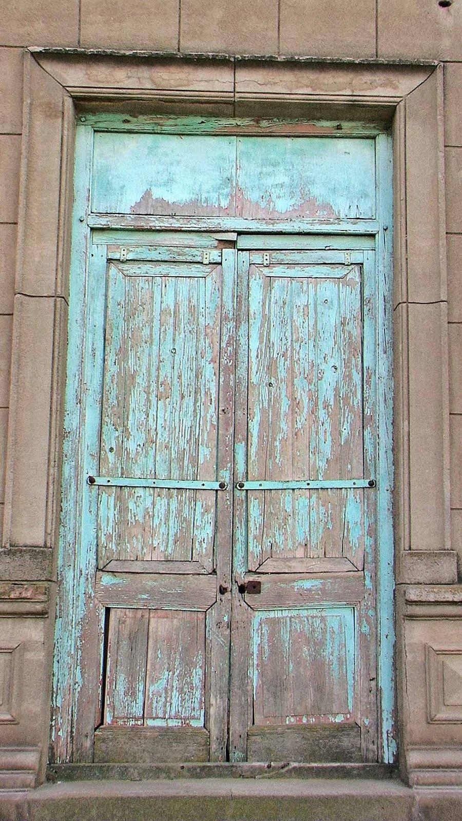 Mundo matungo vieja esquina vieja puerta viejas ventanas for Puertas viejas