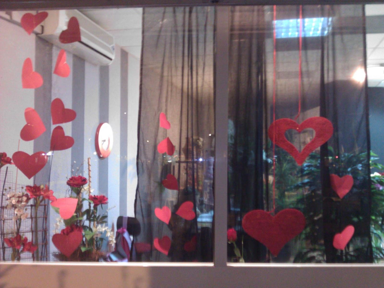 Decoraciones en escaparates de san valentin auto design tech - Decoraciones para san valentin ...