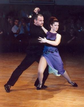 Raul Mamone bailando tango