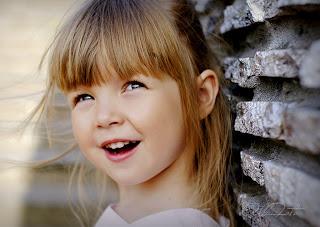 Красивое детское фото на природе 0442277697