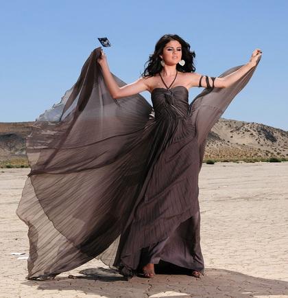 selena gomez year without rain dress. selena gomez a year without