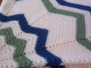 12 Point Star Afghan Pattern http://dragonfaeriee.blogspot.com/2008/11/12-point-star-afghan.html