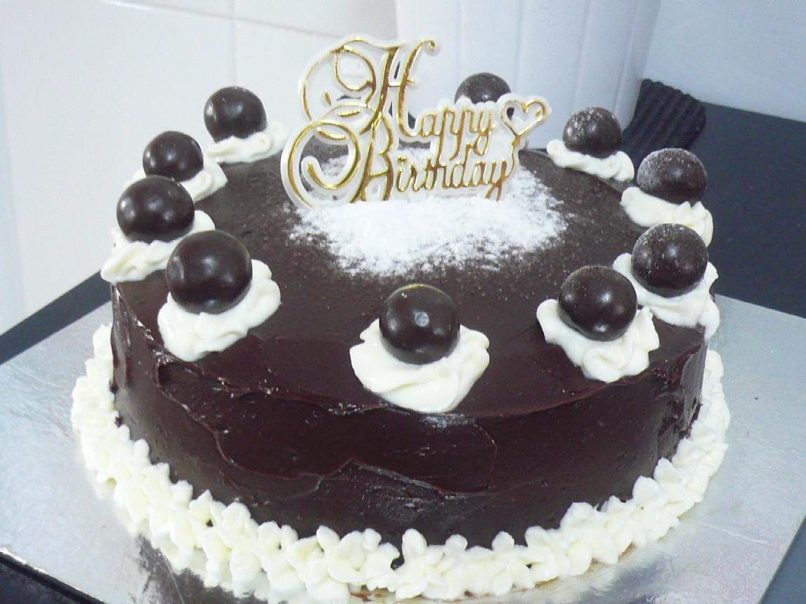 Sugabakes: Moist Chocolate Cake with Chocolate Icing