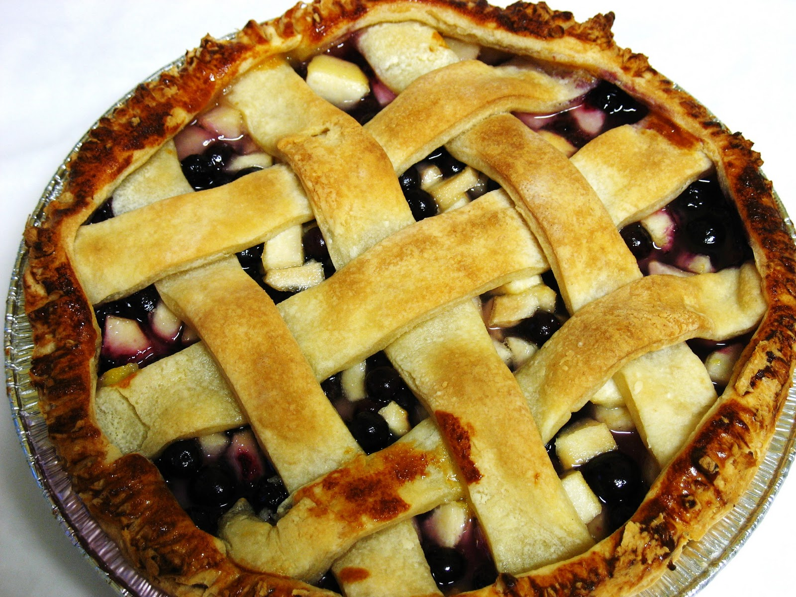 The Gluten Free Spouse: Gluten Free Blueberry Pear Pie
