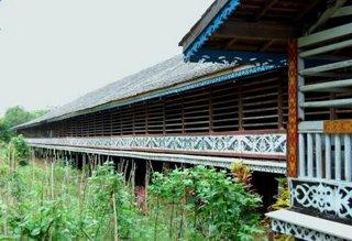 Rumah Betang (So Langke) Identitas filsafat orang Daya'
