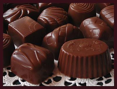 http://3.bp.blogspot.com/_frfpB9z4mSM/SSxPqdr_KPI/AAAAAAAAAFo/VaeQZxkinyk/s400/choklad.bmp