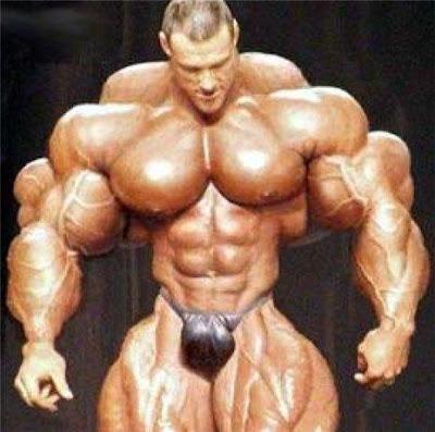 * Homem musculoso