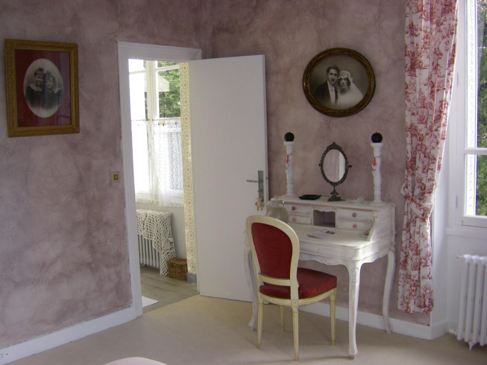 les quatre vents la chambre romantique. Black Bedroom Furniture Sets. Home Design Ideas