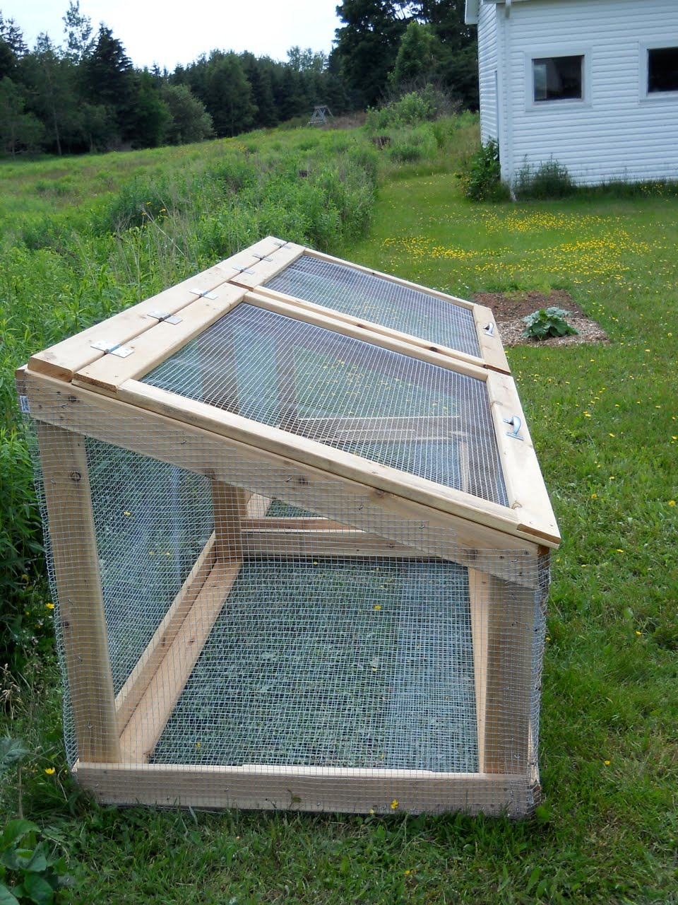 Download Wood And Wire Compost Bin Plans