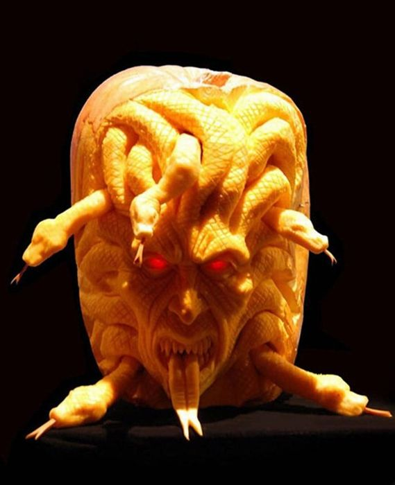 Creative pumpkin carvings 19 pics curious funny for Awesome pumpkin drawings