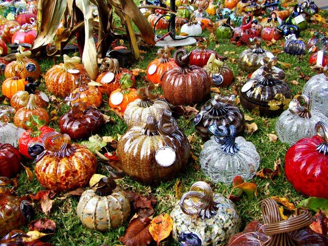 beautiful pumpkin made of glass 16 pics curious funny