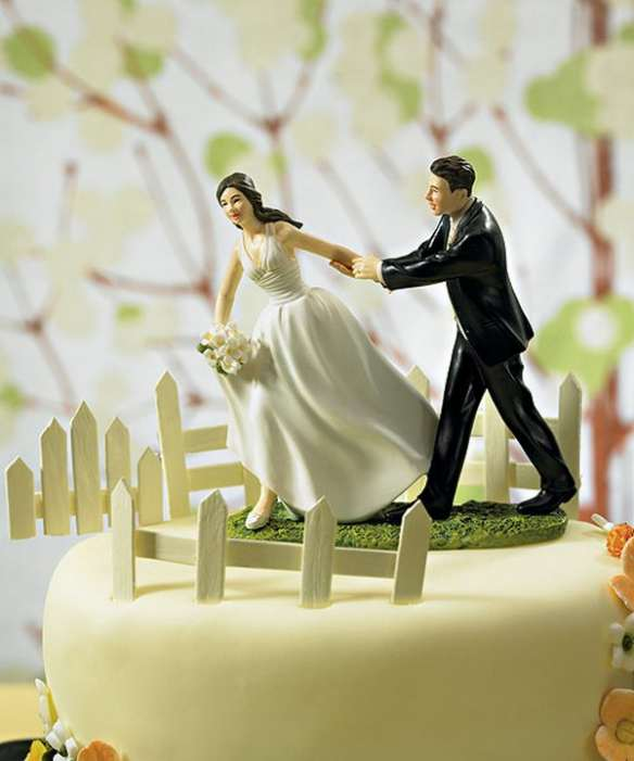 funny wedding cakes 20 pics curious funny photos pictures
