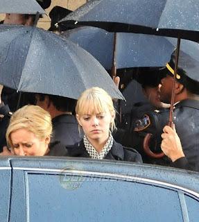 emma stone spider man set pic 3 - Emma Stone como Gwen Stacy en la filmacion de Spiderman!