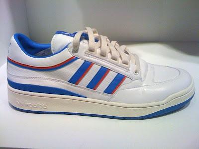 Ressortie D Les3bandes De Il Comp Chaussure Originals Adidas La FwzOczx8In