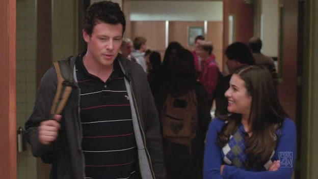 Who has finn dating in glee-in-Stratford