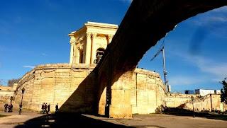 Peyrou, Montpellier, en été