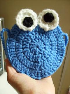 Amigurumi Cookie Monster crochet pattern pdf by lafeecrochette