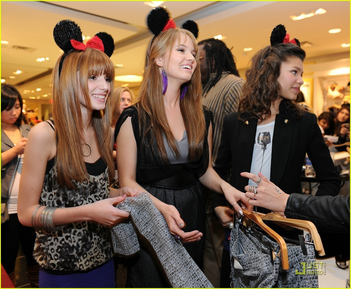 Bella Thorne And Debby Ryan