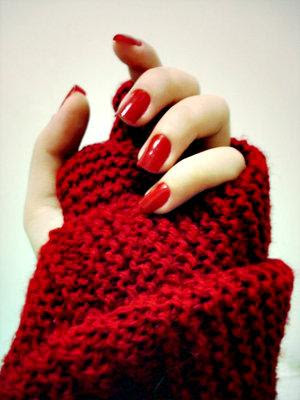 love classic red nails