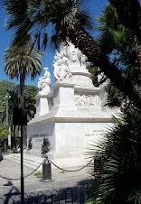 GÉNOVA 103 MONUMENTO A COLÓN