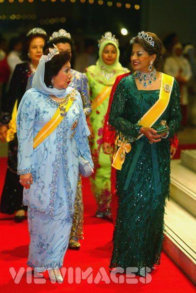 Kalsom ketika menghadiri Istiadat Perkahwinan Putera Mahkota Brunei