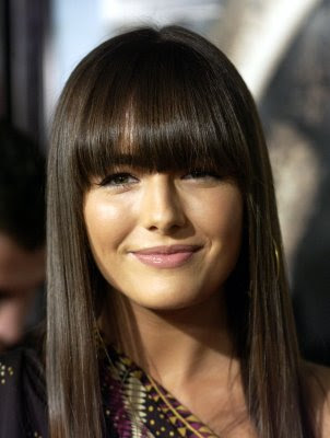 Best 2010 Modern Medium Layered Hairstyle With Fringe