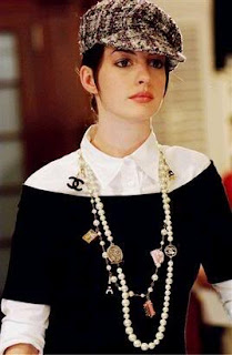 Anne Hathaway, Devil wears prada, pearl necklace