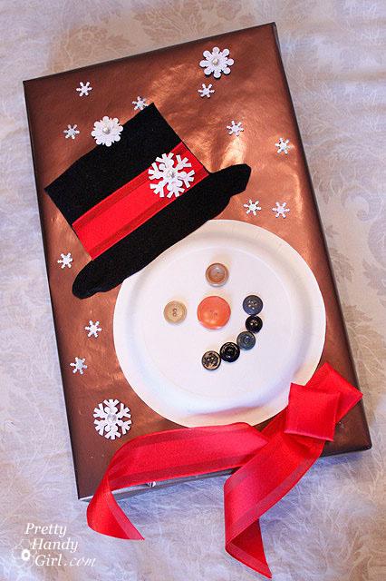 Cute Snowman Gift Wrapping Idea