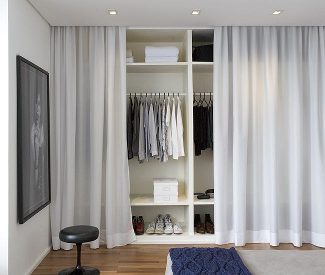 arquitetura do im vel cortinas no lugar de portas. Black Bedroom Furniture Sets. Home Design Ideas
