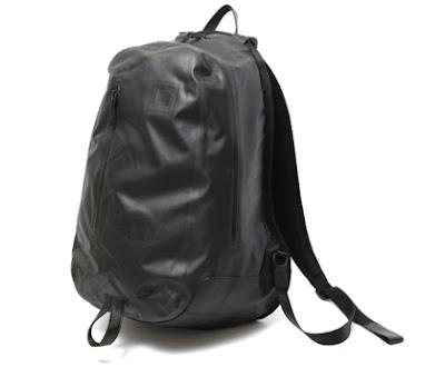 nikefreak  Nike Sportswear Cheyenne 2000 Backpack 8a64507d74