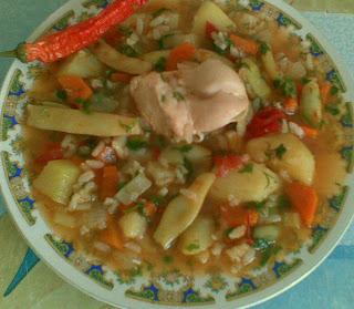 Articole culinare : ghiveci de legume cu piept de pui