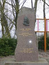 Stèle de Louise Michel à Vroncourt  la côte