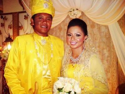 Tahniah Amat & Amani..