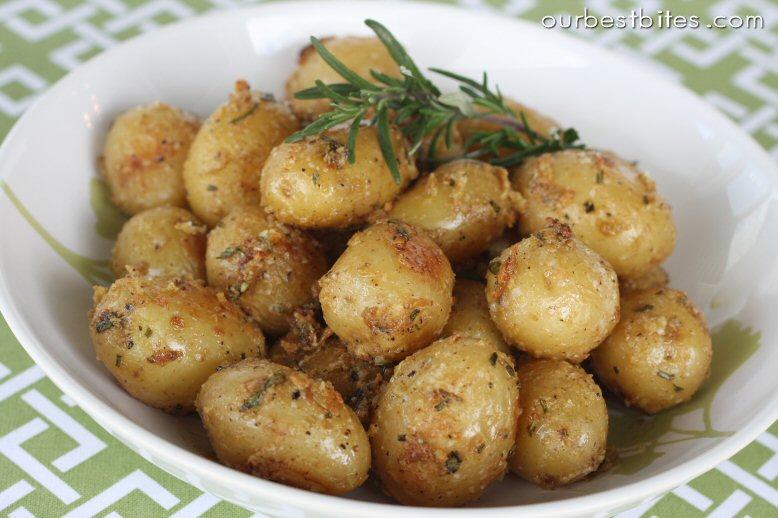 pepper roasted garlic potatoes rosemary and garlic roasted potatoes ...