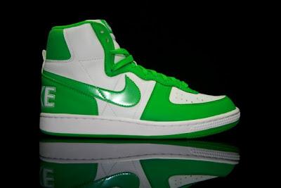 SoleSurvivor Detroit  WMNS Nike Terminator High (Green Hyper Verde) 555969edf6