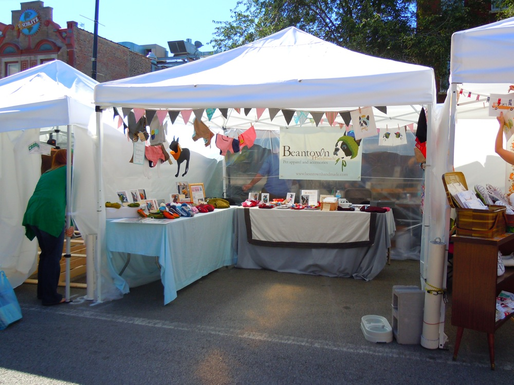 Craft shows tips for indoor and outdoor fairs handmadeology for Display tents for craft fairs