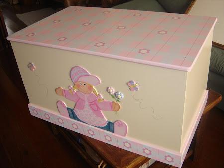 Accesorios y decoraci n de dormitorios infantiles ba les port tiles percheros porta retratos - Baules infantiles ...