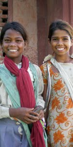 Threshing Girls - Agra, India