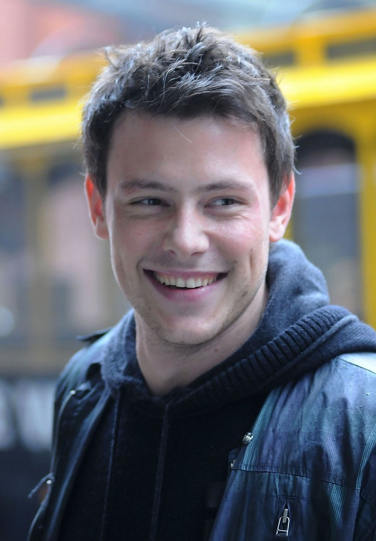 Loser: Finn Hudson/Cory Monteith Cory-monteith-raising-the-roof-01