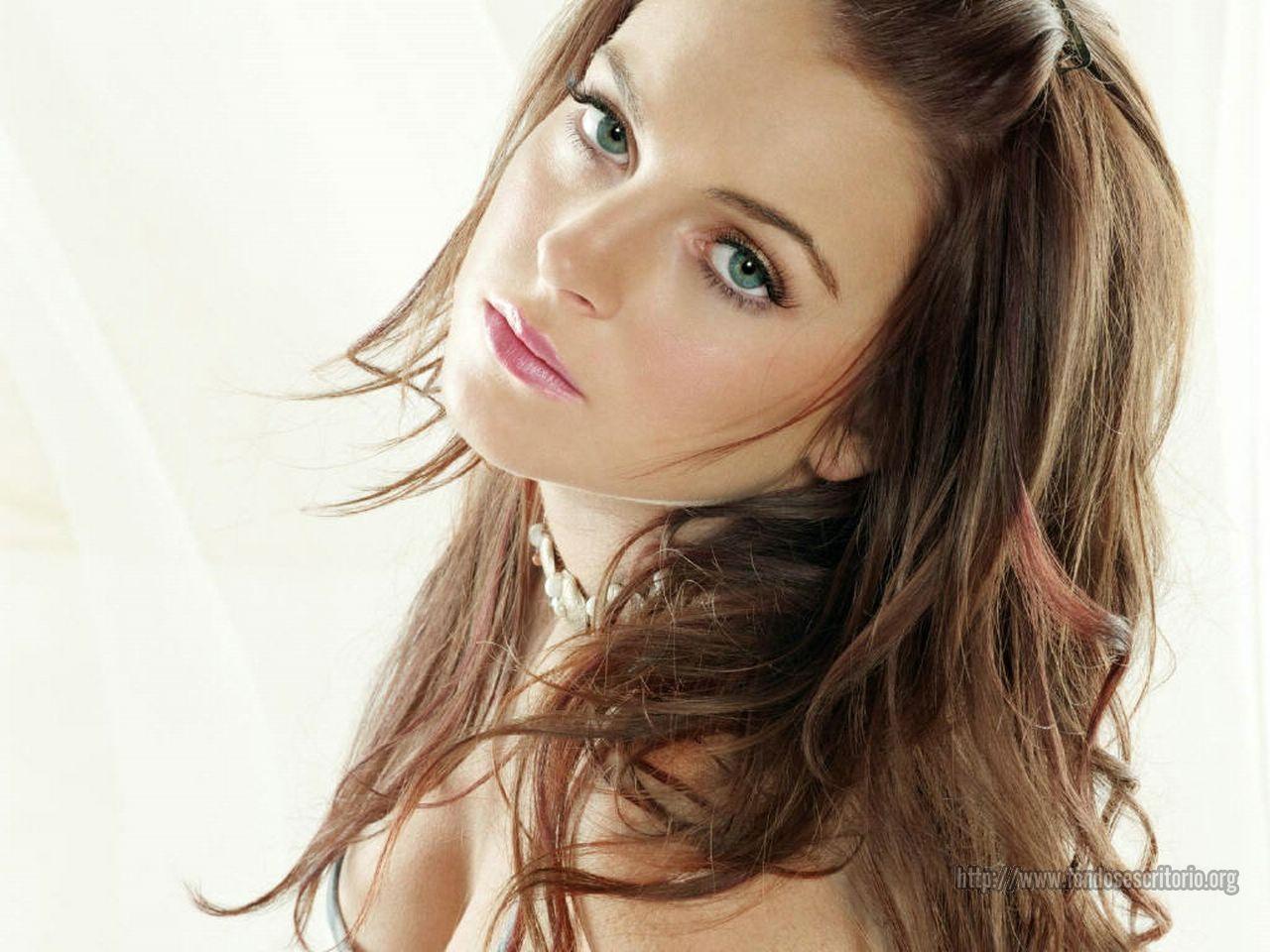 http://3.bp.blogspot.com/_gPfXA7JgTxg/TMWRzkIJTDI/AAAAAAAAaM0/je08ogs2rl4/s1600/Lindsay+Lohan+176+%5B1280x768%5D-286507.jpeg