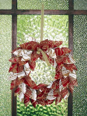 paper christmas wreath tutorial.