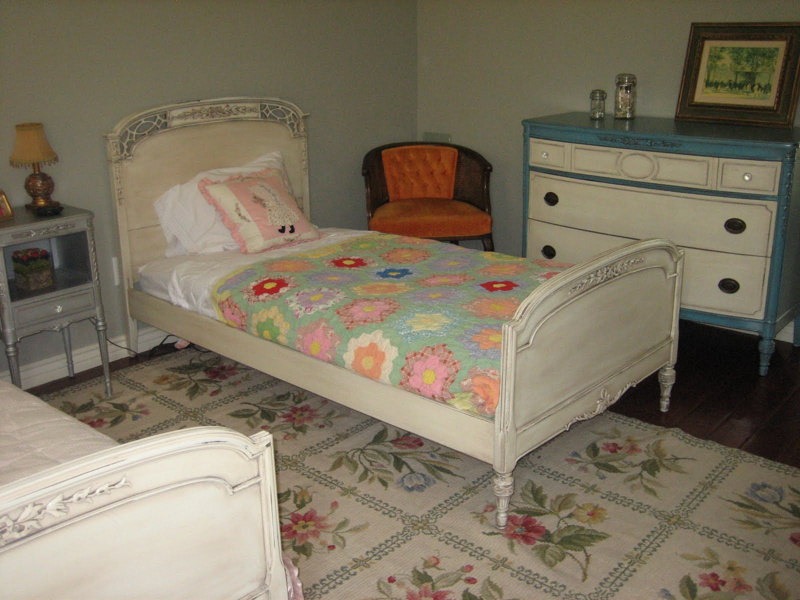 European paint finishes antique french bedroom set for What finish paint for bedroom