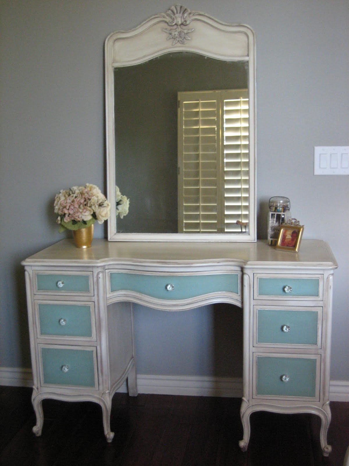 European Paint Finishes French Bedroom Set