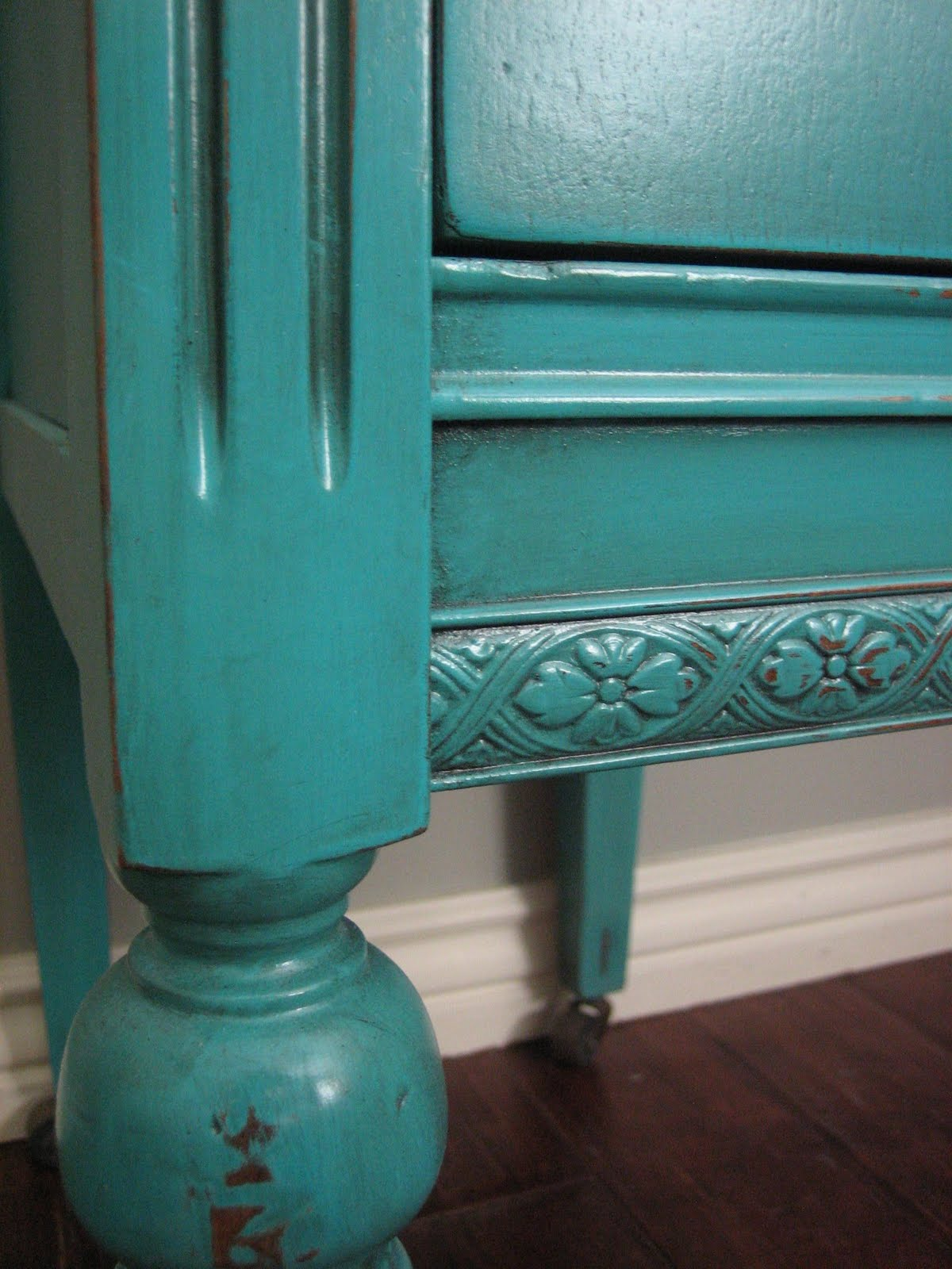 European paint finishes turquoise teal cream bedroom set for What paint finish for bedroom