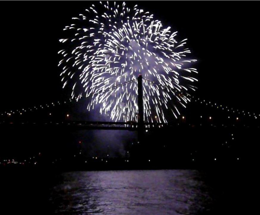 [Fireworks2.jpg]