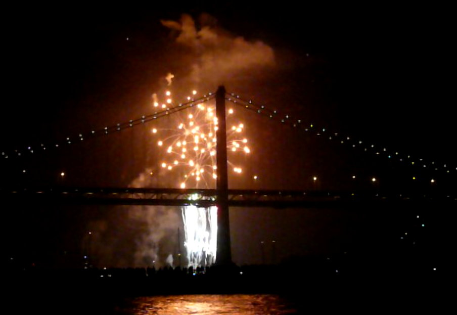 [Fireworks4.jpg]