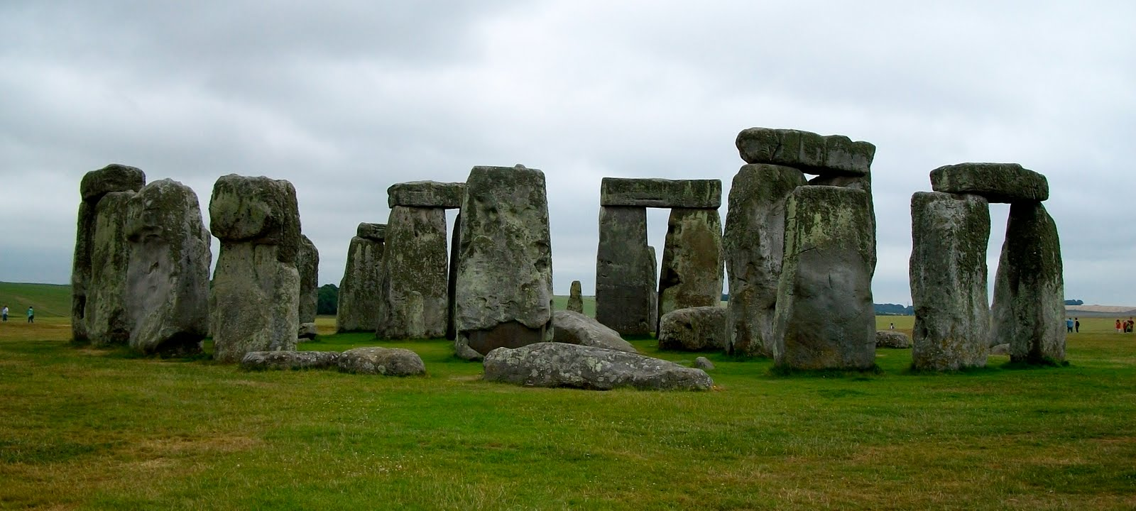 a study of stonehenge 10 facts about stonehenge appears in the archaeological study of henry of huntingdon in about ad 1130, and that of geoffrey of monmouth six years later.
