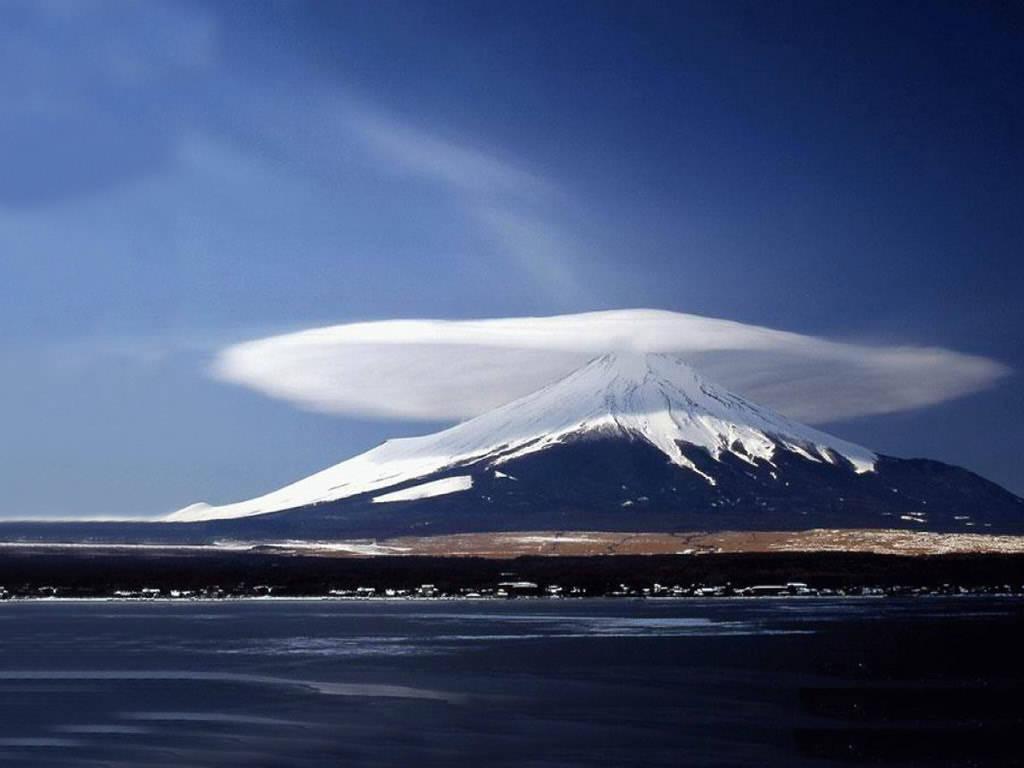 [Mushroom+Clouds+3.jpg]