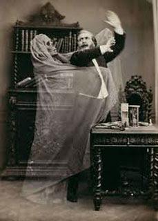 Foto spettrale d'epoca vittoriana